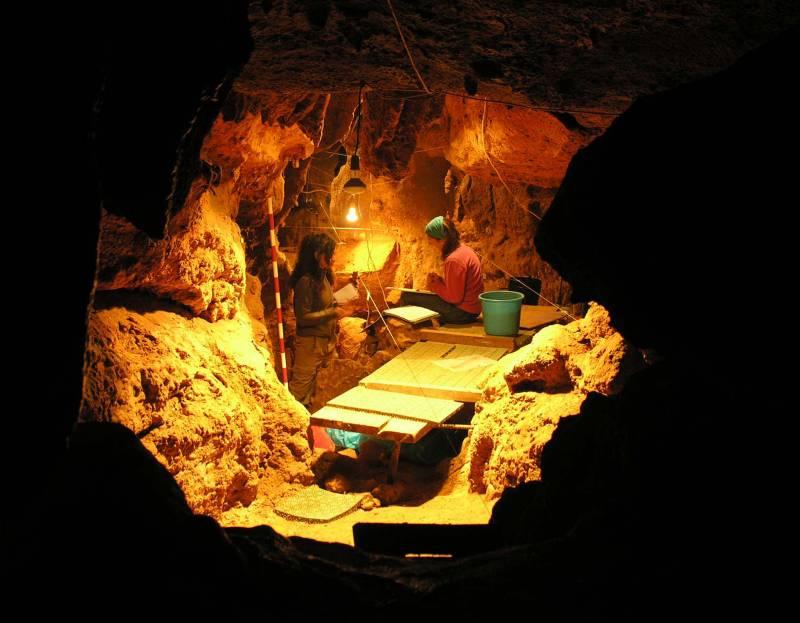 La Galería del Osario en el yacimiento del Sidrón