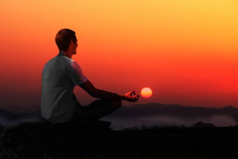 La meditación trascendental reduce el riesgo cardiaco