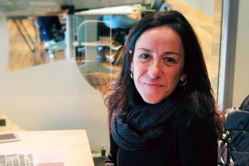 Carmen Vives en su despacho