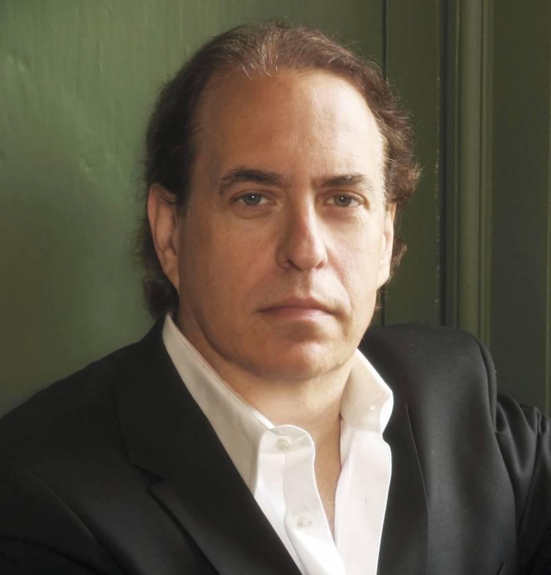 El escritor de novelas de misterio, Glenn Cooper. / Editorial Grijalbo