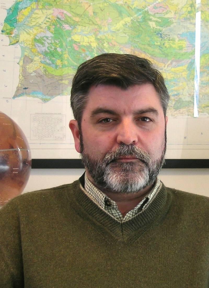El geólogo participó en el vuelo de la NASA Leónidas MAC 2002 para el estudio de meteoroides. Imagen: CAB