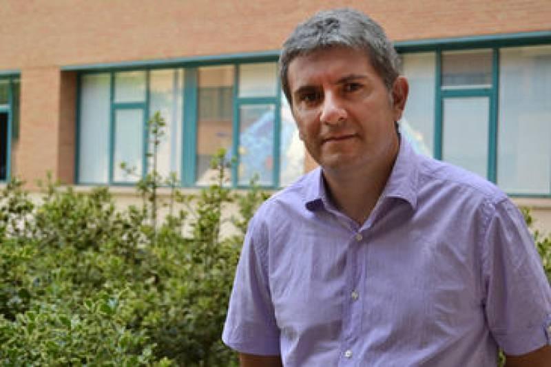 Eduardo Peris Fajarnés, catedrático de química inorgánica de la Universitat Jaume I de Castellón. Imagen: RUVID.