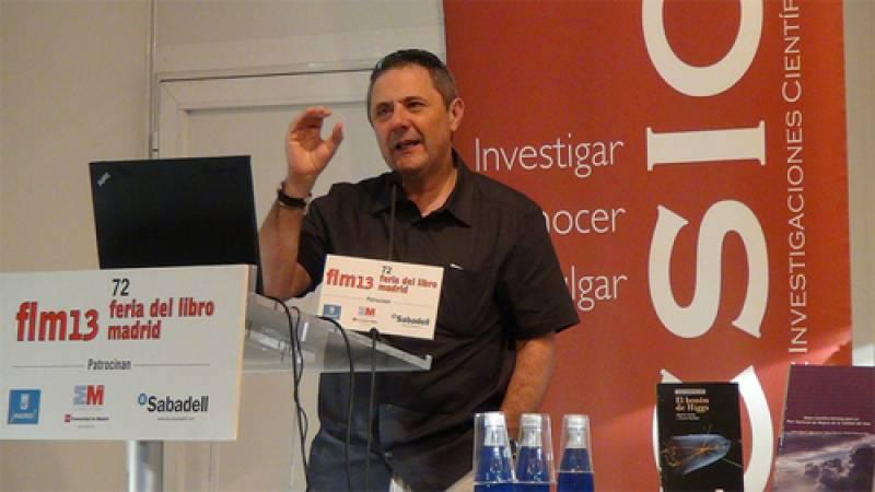 Xavier Querol, en la presentación del informe sobre la calidad del aire en la Feria del Libro 2013.  CSIC