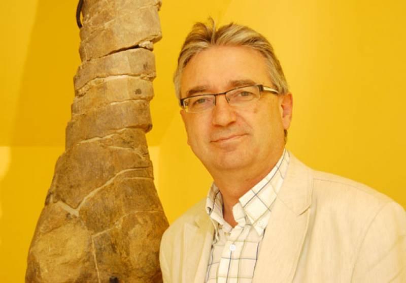 Luis Alcalá.