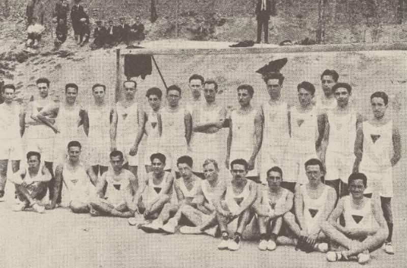 Participantes del primer cross de la Residencia de Estudiantes en 1925. / Carlos Cisneros