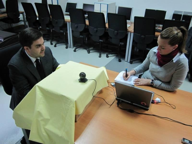 Prueba de la reacción del usuario utilizando software de reconocimiento facial.
