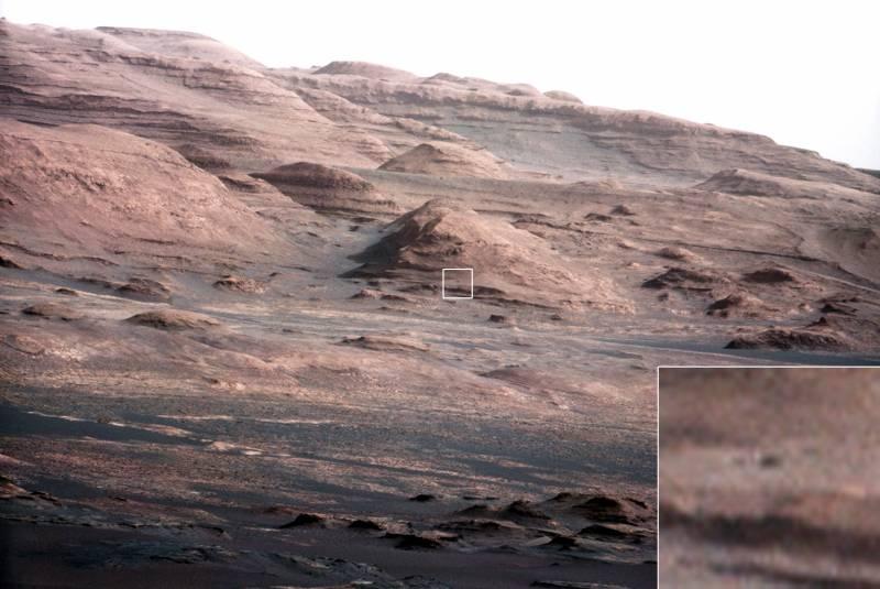Primer plano de las capas de la base del monte Sharp en Marte