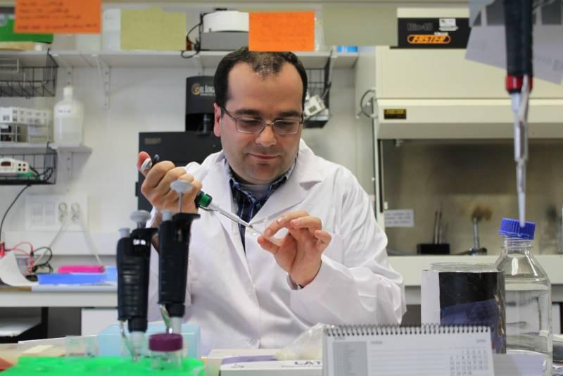 Ángel Manteca, en el laboratorio