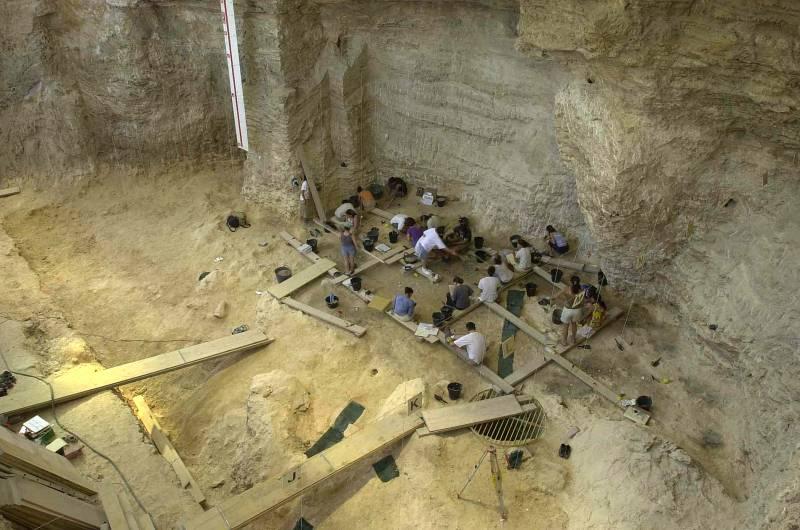 Definen las relaciones temporales en los conjuntos arqueológicos