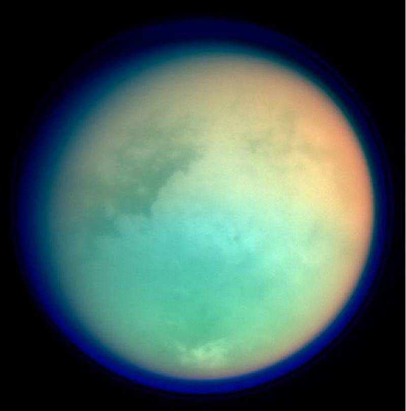 Científicos españoles confirman la existencia de actividad eléctrica en Titán