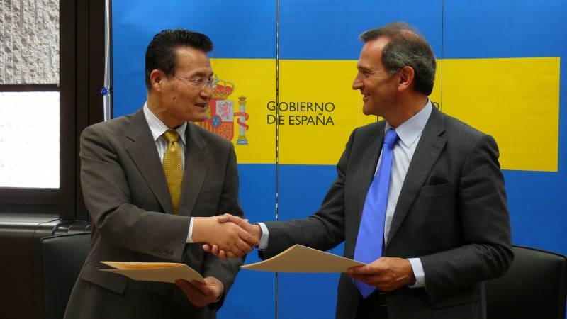 España y Japón acuerdan investigar sobre nanotecnología y nuevos materiales