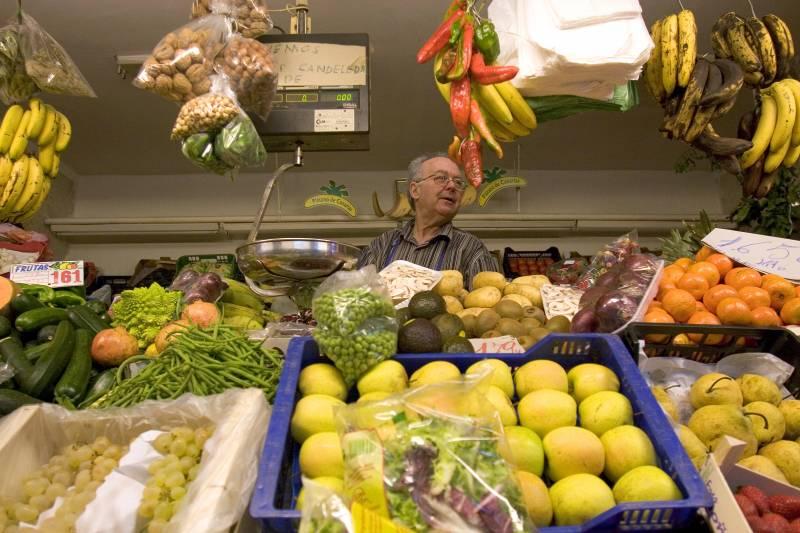 El problema no es comer fruta y verdura, sino encontrar dónde comprarlas