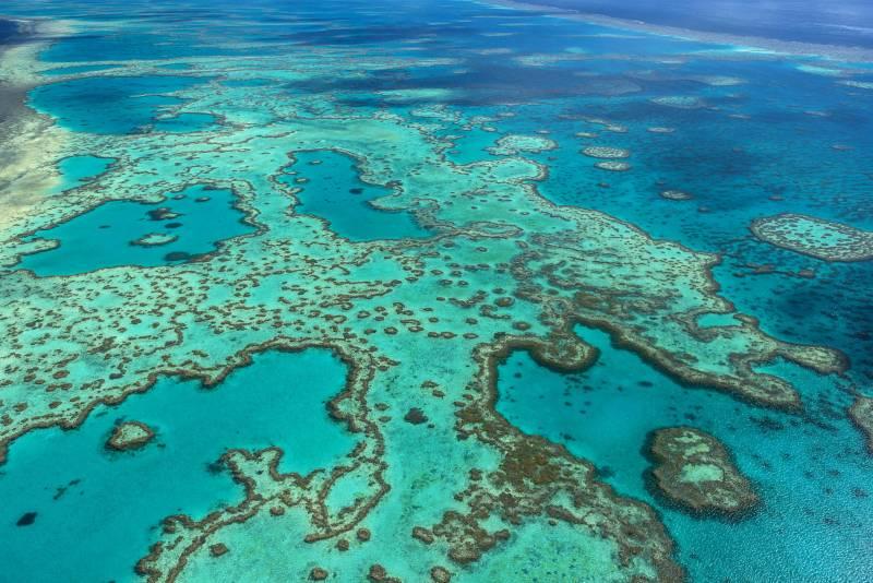 Vista aérea parcial de la Gran Barrera de Coral. / Efe