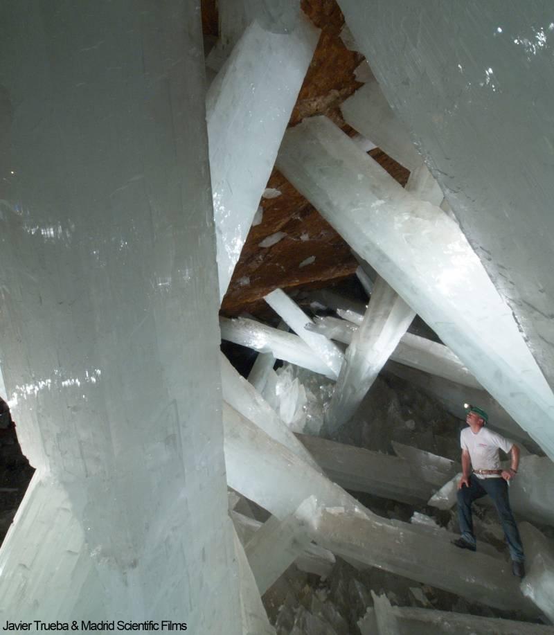 Imágenes de la cueva de los cristales gigantes de Naica. /Javier Trueba & Madrid Scientific Films