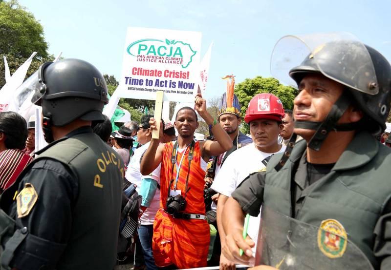 Manifestantes en la marcha de Lima. / actualidadambiental.pe