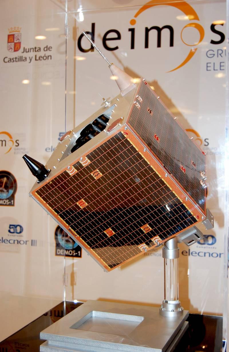 maqueta del satélite Deimos