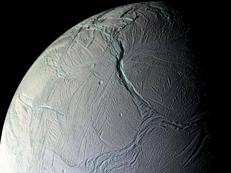 Luna helada de Saturno