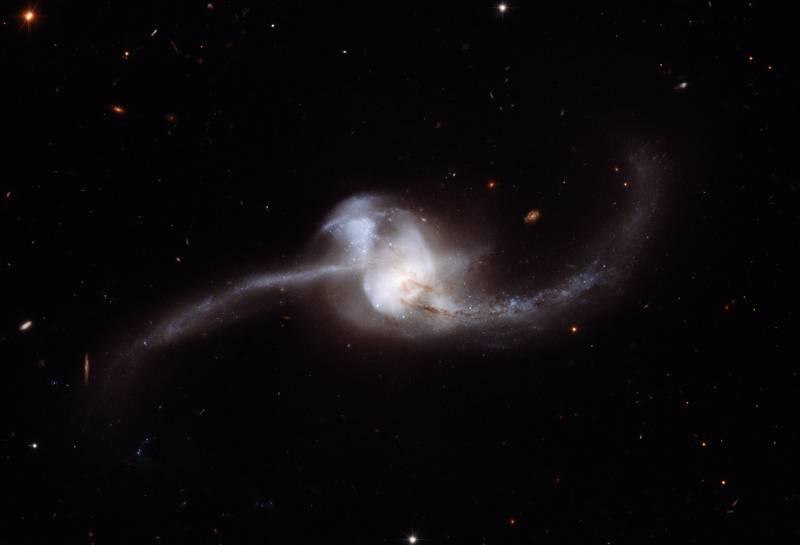Hubble obtiene una imagen de una colisión de galaxias