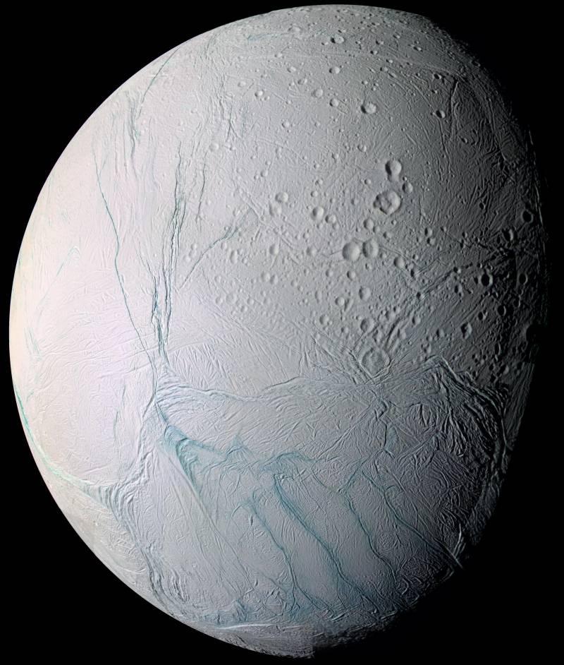 Luna Encélado.