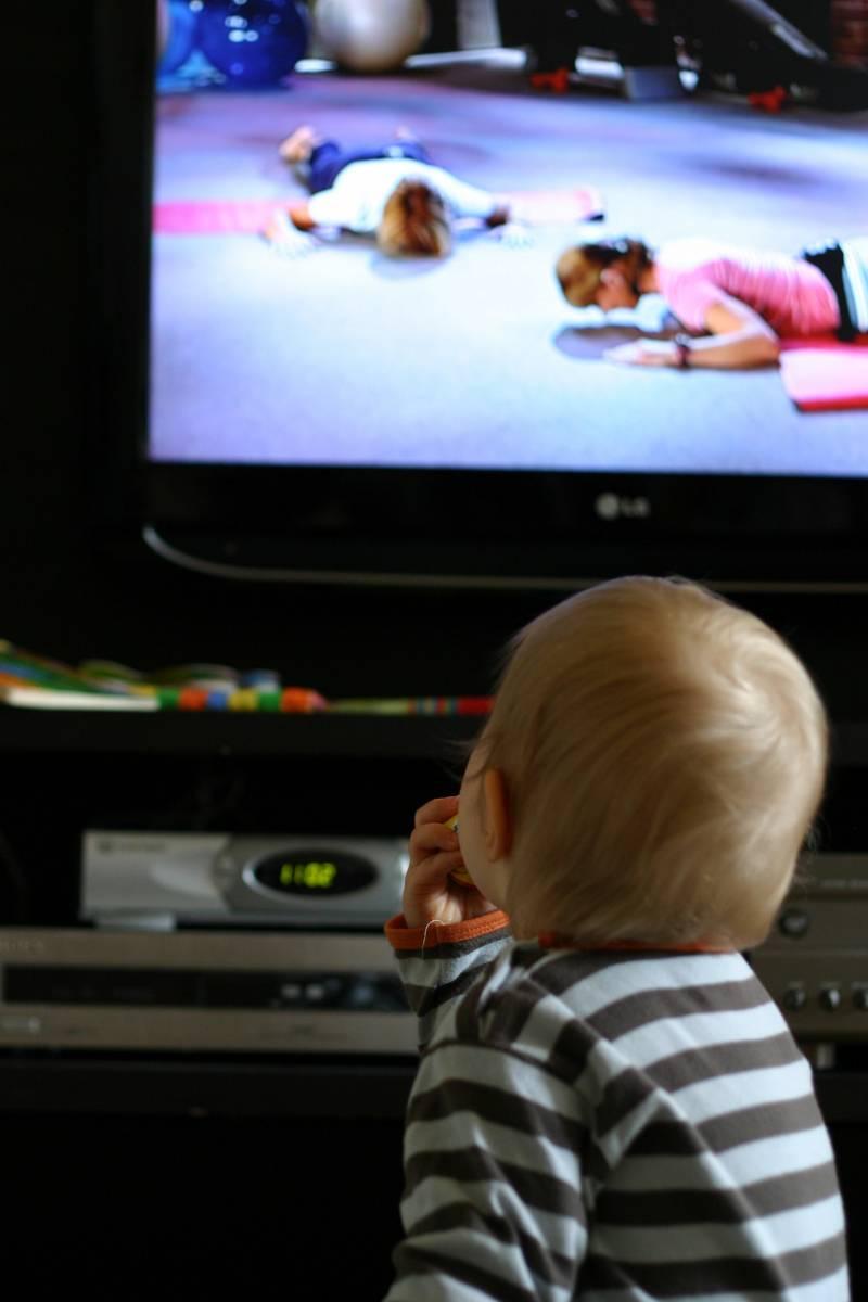 Ver la televisión en compañía ha pasado de moda