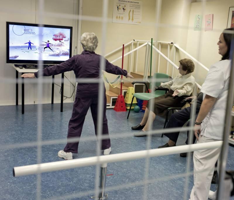 En la terapia para enfermos de Alzheimer usando Kinect los pacientes están más motivados y se divierten.