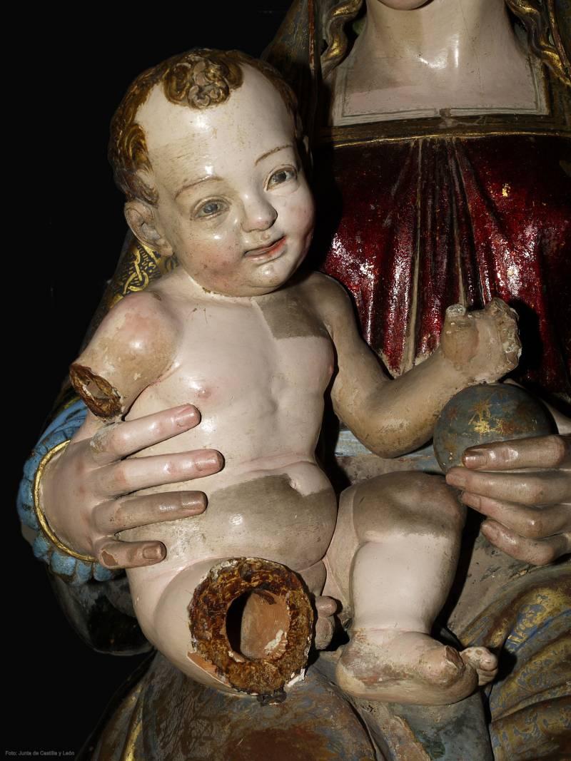 La escultura de la Virgen del Oratorio ha sido restaurada con modernas tecnologías.