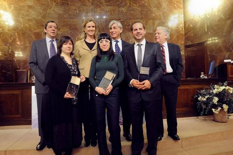 La ministra de Ciencia e Innovación, Cristina Garmendia, junto a los galardonados