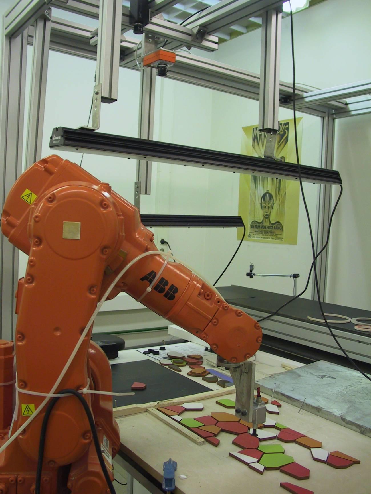 Un robot construye mosaicos cerámicos