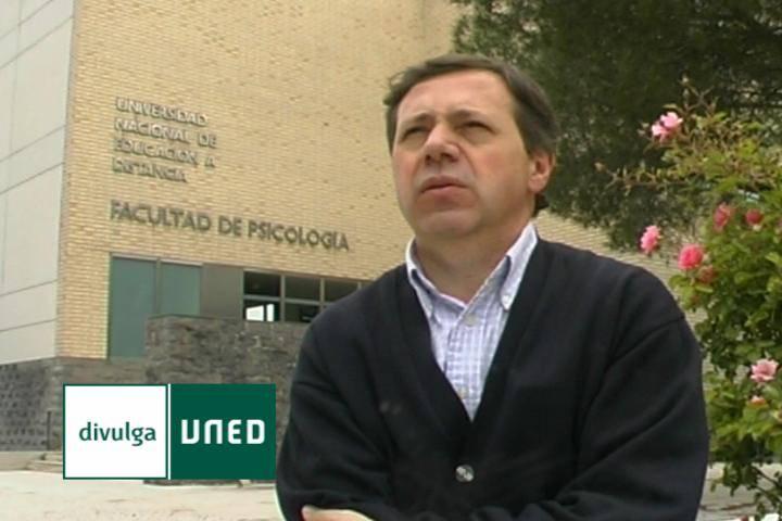 Emilio Ambrosio, investigador en Psicobiología.