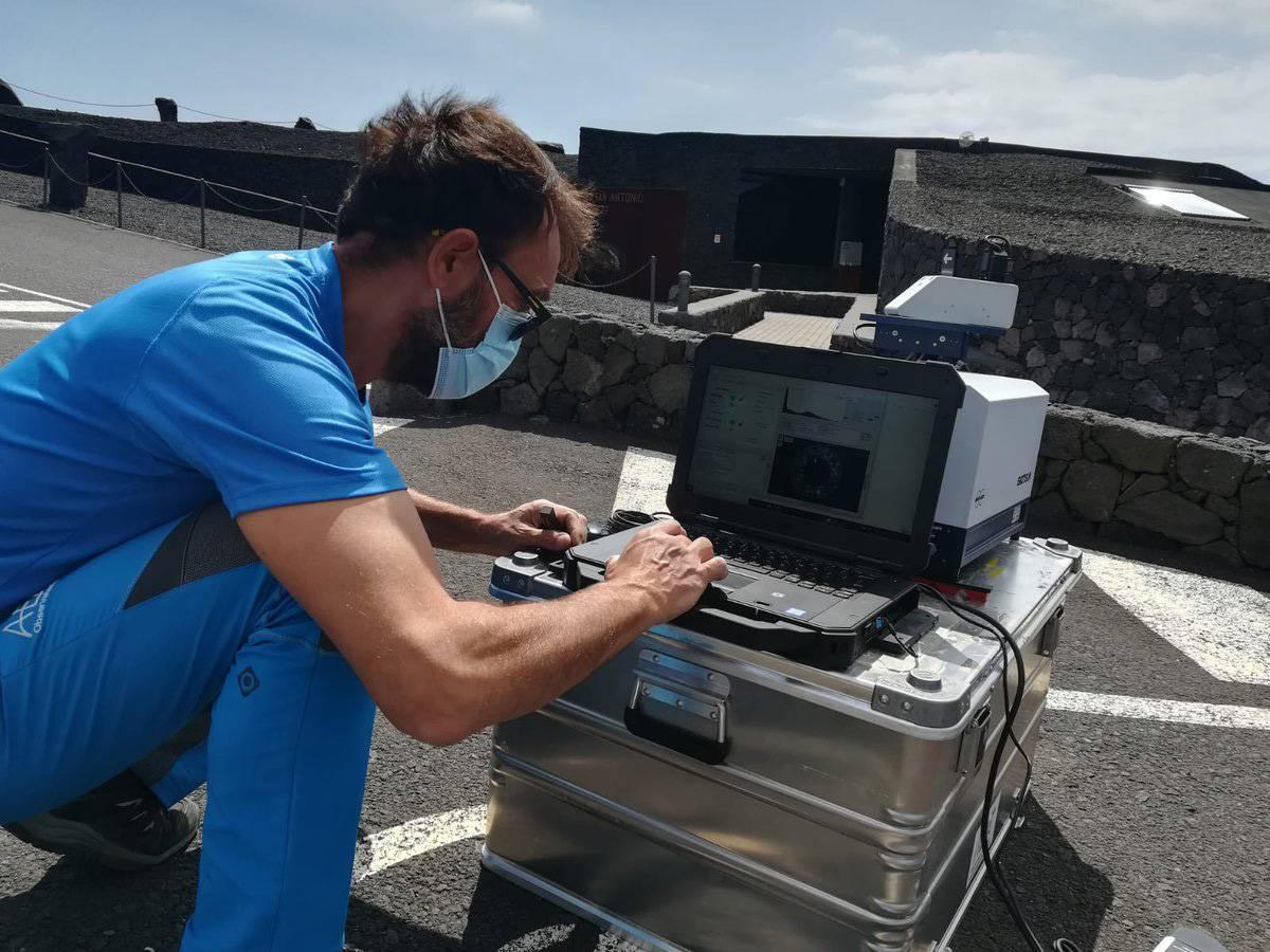 Monitorización de las emisiones del volcán de La Palma desde el centro de visitantes de los Volcanes en Fuencaliente