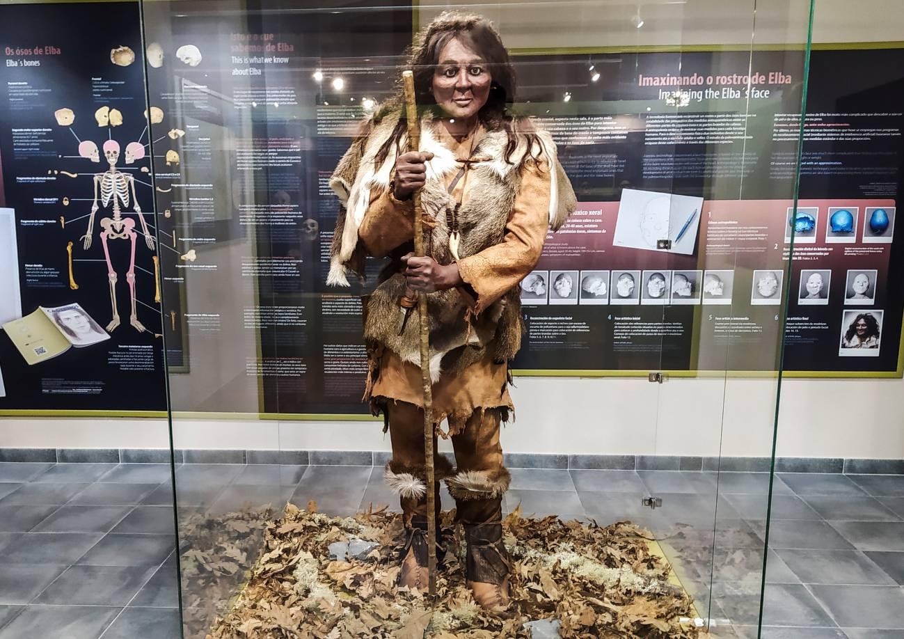 Reconstrucción de la mujer Elba en el Museo Xeolóxico de Quiroga. / MUXEQ