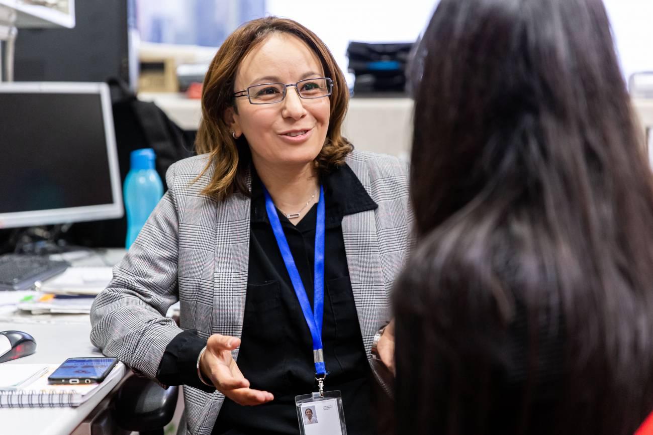 Hayet Rafa durante la entrevista en el CNIO