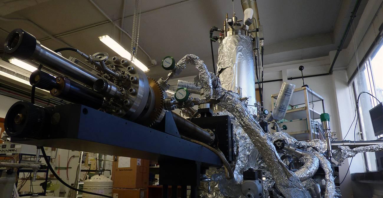 Las partículas cuánticas ultrarrelativistas del grafeno no paran, pero para detenerlas hicieron un 'muro' impenetrable con 'ladrillos' de hidrógeno