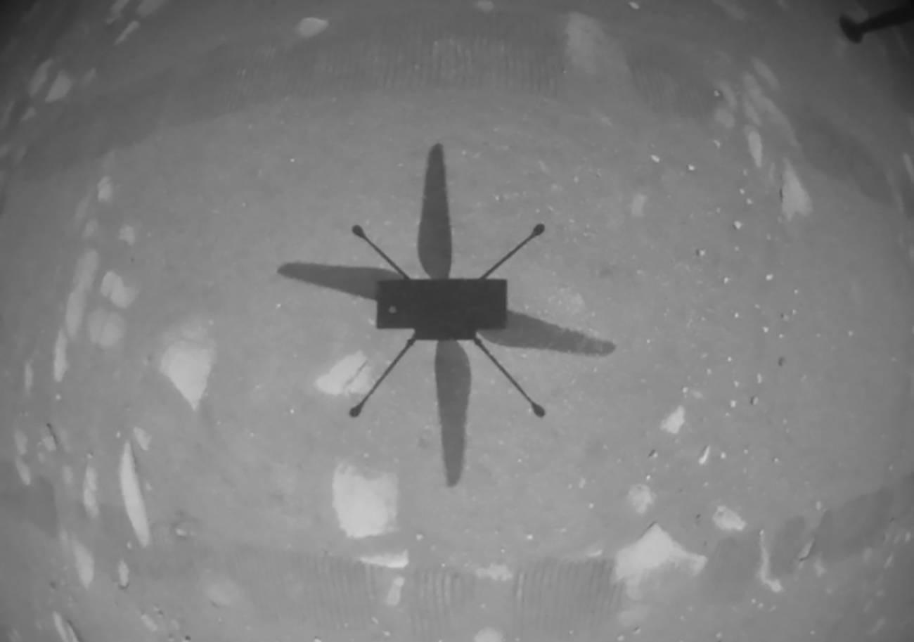pia24584 1041 - Pequeño helicóptero de la NASA Ingenuity  logra el primer vuelo propulsado en otro planeta