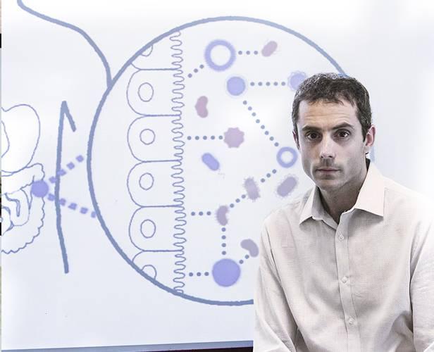 Bernat Ollé estudia el microbioma para diseñar medicamentos a base de microbios vivos. / David Brazier