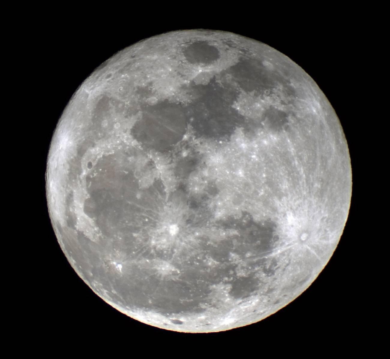 Luna llena. Imagen: Esteban García Navarro.