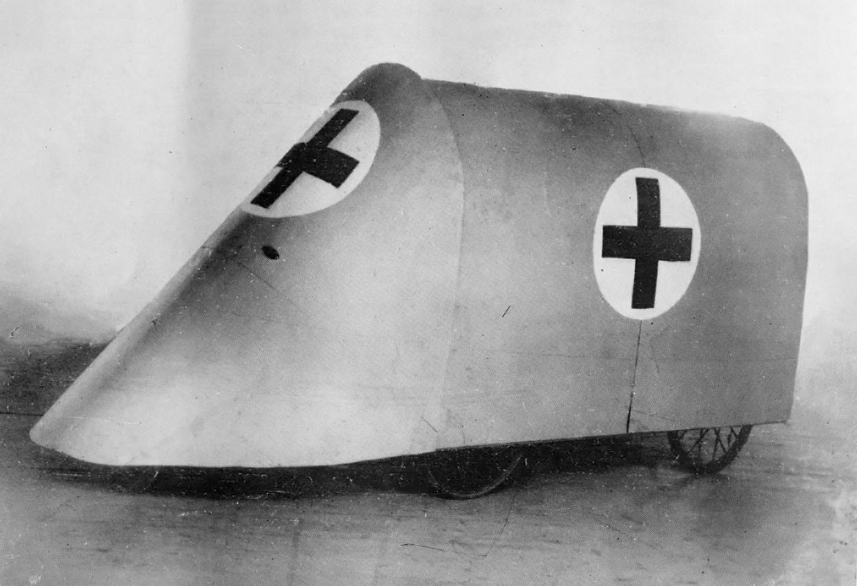 Vehículo experimental blindado de la Cruz Roja. / Library of Congress