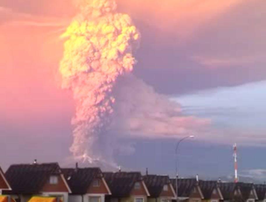 Estado de excepción en Chile por la erupción del volcán Calbuco