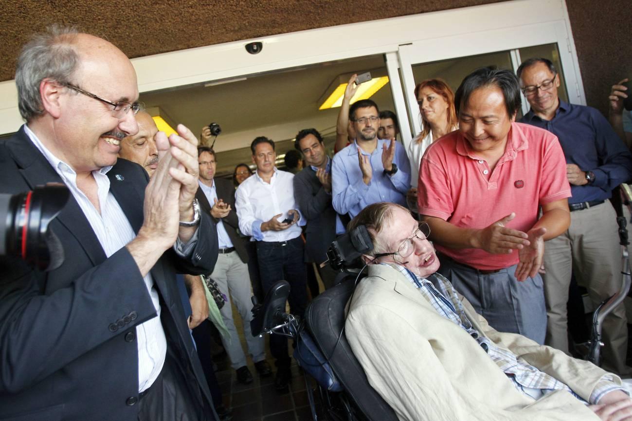 Hawking durante su visita al IAC.