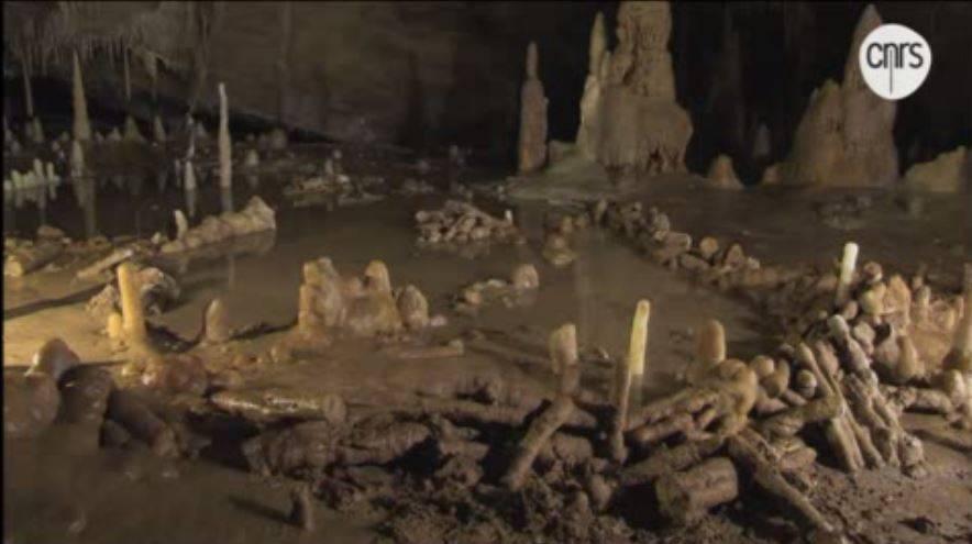 Los neandertales controlaban el fuego hace 176.000 años