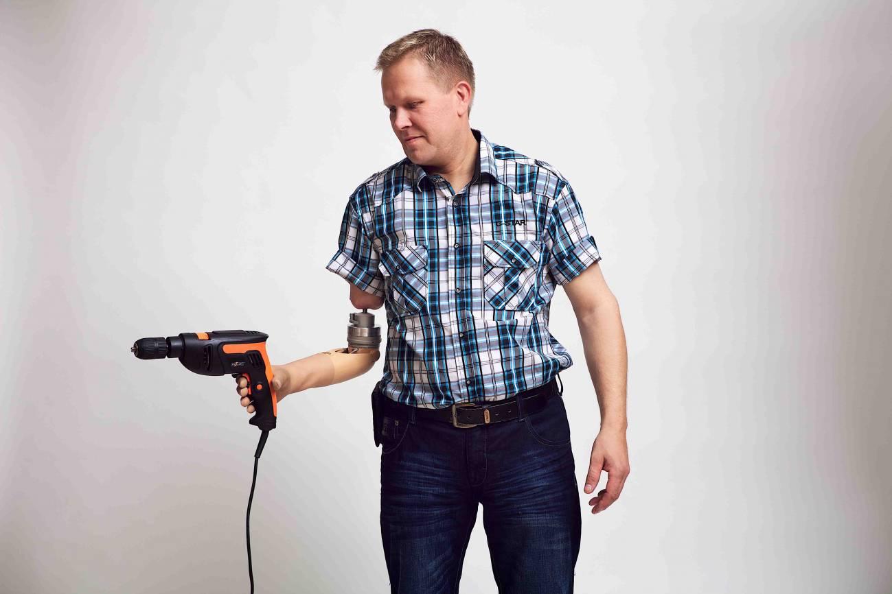 Manos y brazos biónicos devuelven el tacto a amputados