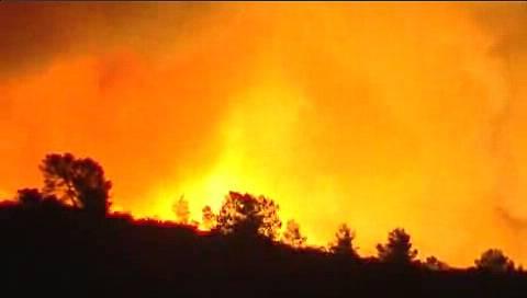 Miles de hectáreas arden en Valencia y Murcia