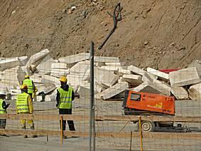 Trabajadores inmigrantes en la construcción. Foto: SINC.