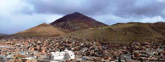Vista parcial de la ciudad de Potosí, una de las cunas del pisco ./ Wikipedia