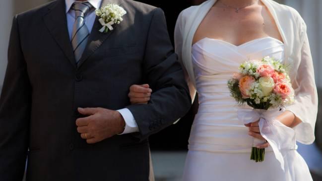 Una pareja entabla matrimonio./ Fotolia