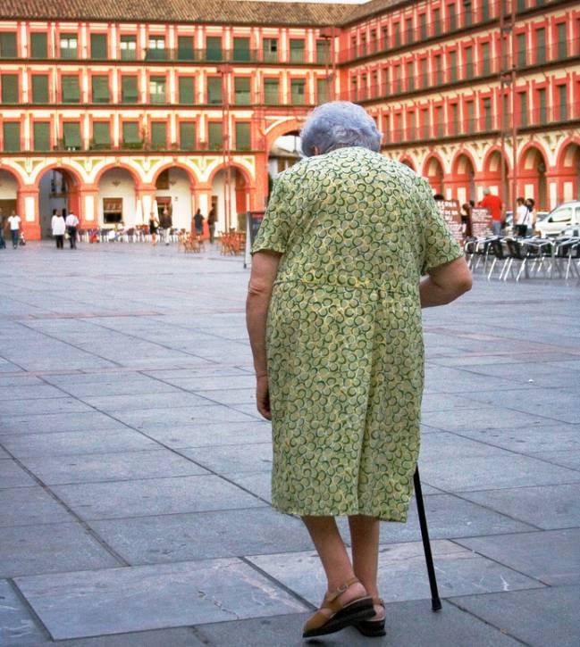 Hay más riesgo de su frir una fractura por osteoporosis a partir de los 70 años. / Mcohen Chromiste