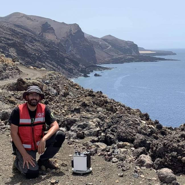 Itahiza Domínguez, sismólogo del IGN, en El Hierro