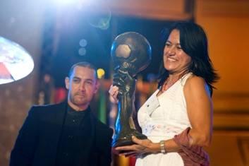 Albina Ruiz recibe el Premio del actor Aamir Khan