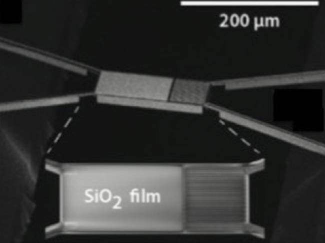 Capas atómicas de oxido de silicio emiten una cantidad extraordinaria de radiación térmica