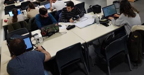 Uso de ordenadores portátiles y tabletas en las aulas universitarias